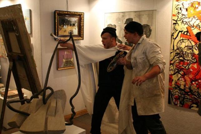 Vernisáž školní výstavy v Mázhausu plzeňské radnice