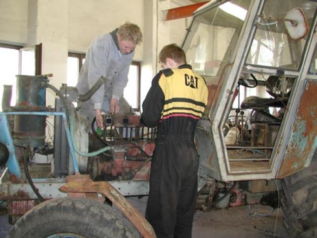 obor Opravář zemědělských strojů