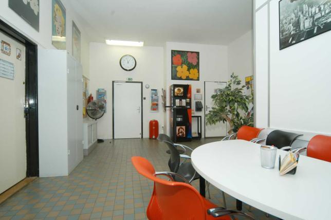 Vlastní vzdělávací středisko- v klidné lokalitě, 10 min od centra Prahy