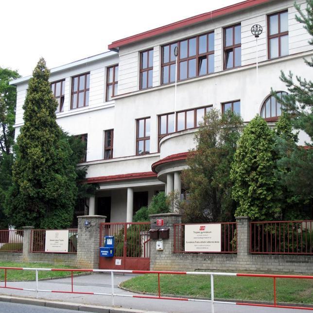 Škola v Troji