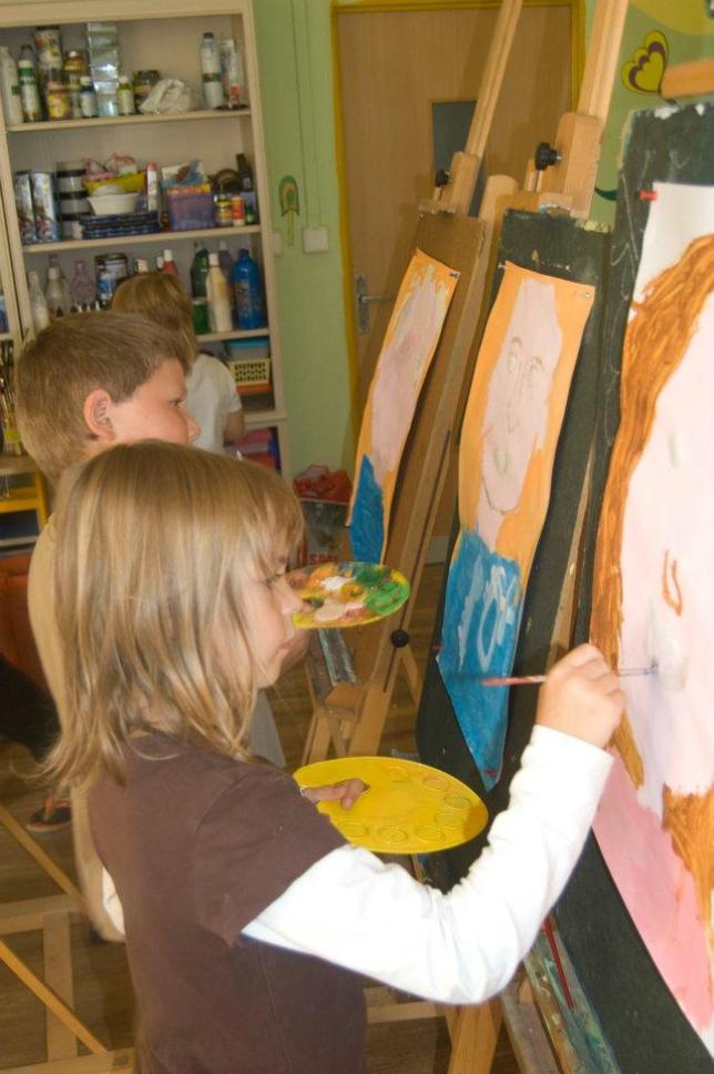 Hodina výtvarné výchovy v ZŠ