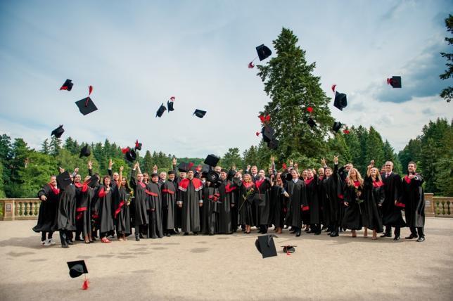 Slavnostní zakončení studia LIGS University