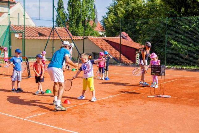 Anglická sportovní školka tenis