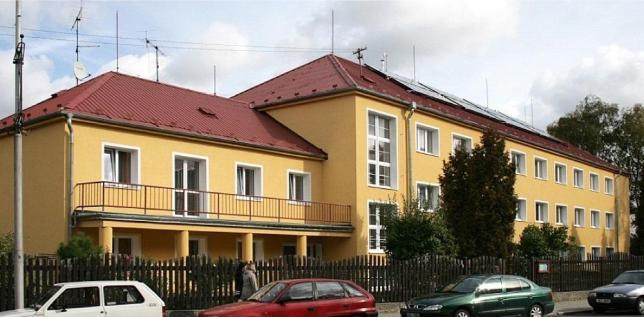 Domov mládeže v Sokolově, ulice K. H. Borovského