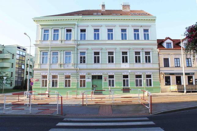 Nová budova školy na Břevnově, Bělohorská 103, Praha 6