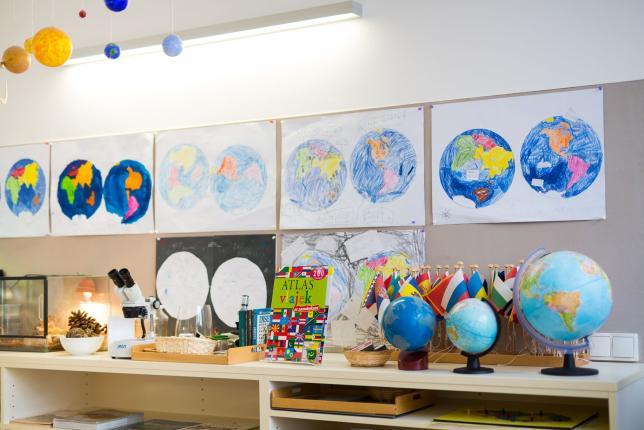 Montessori vzdělávání...Respektujeme, Tvoříme, Objevujeme, Rosteme