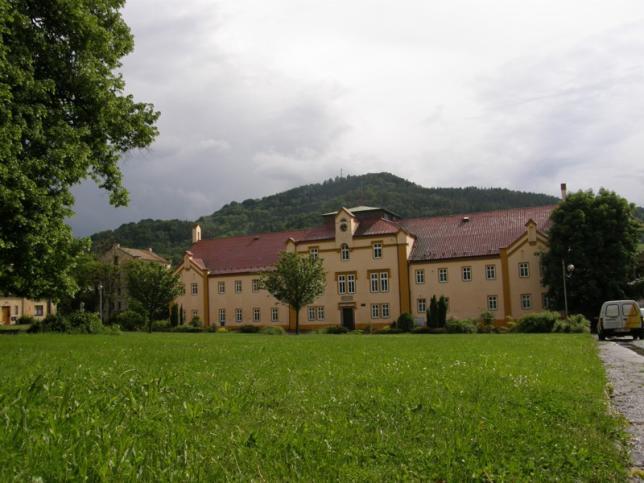 Budova školy 2