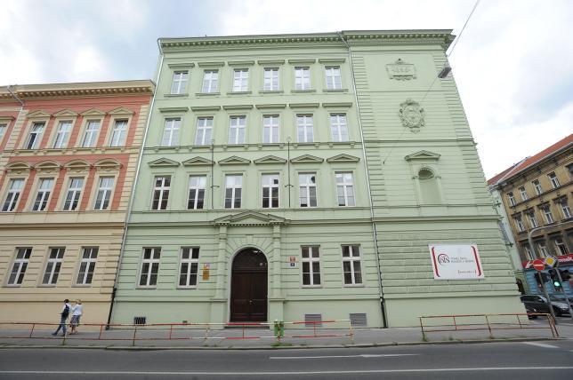 Budova VŠFS - Vltavská